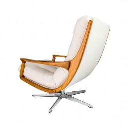 Modernistyczny fotel niemiecki