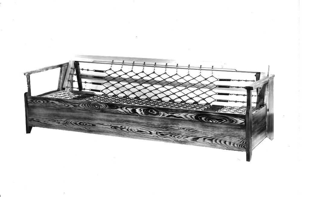 wersalka na sprężynach - kanapa (fot. 02)